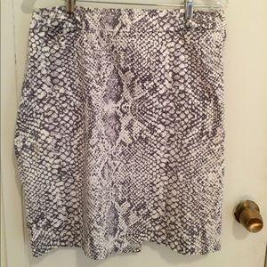 New York & Co Snake print skirt. Size 10.